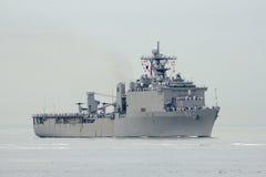 Van het de Heuveldok van USS het Eiken landende schip van de Marine van Verenigde Staten tijdens parade van schepen bij Vlootweek Stock Afbeeldingen