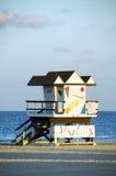 Van het de hutzuiden van de badmeester het strand Miami Florida stock foto's