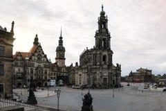 Van het de Kerk Donkere Weer van Dresden Katholieke de Brugmening Buitenar Royalty-vrije Stock Foto