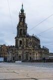 Van het de Kerk Donkere Weer van Dresden Katholieke de Brugmening Buitenar Royalty-vrije Stock Afbeeldingen