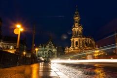 Van het de Kerk Donkere Weer van Dresden Katholieke de Brugmening Buitenar Royalty-vrije Stock Foto's