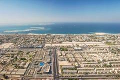 Van het de kustlijnlandschap van Doubai luchtmening van de Emiraten de Arabische royalty-vrije stock afbeeldingen