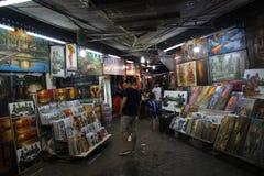 Van het de marktbeeld van de Angkornacht van de verkopersphnom Penh de Nachtmarkt stock foto