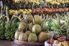 VAN HET DE MARKTvoedsel VAN AZIË MYANMAR YANGON HET FRUIT COCOSNUT Stock Fotografie