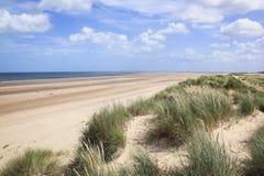 Van het de Noord- duinen holkham strand van het zand Norfolk het UK Stock Afbeeldingen