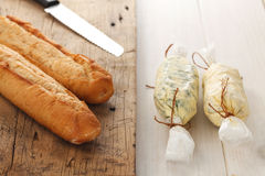 Van het de samenstellings de boterkruid van het knoflookbrood van de baguettethyme verse orego van de de rozemarijnkoriander Royalty-vrije Stock Afbeelding