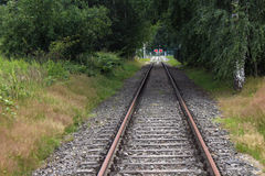 Van het de spoorwegdetail van de ijzer de roestige trein donkere stenen Royalty-vrije Stock Afbeelding