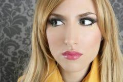 Van het de vrouwenportret van de manier retro blond de make-updetail Stock Afbeeldingen