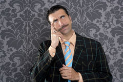 Van het de zakenman peinzende gebaar van Nerd dwaze grappige retro Royalty-vrije Stock Afbeeldingen
