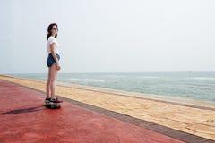 Van het de Zomerstrand van de skateboard Recreatief Achtervolging de Vakantieconcept royalty-vrije stock afbeelding