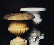 van het het detailclose-up van de vaasarchitectuur de kolom zwarte achtergrond Stock Foto