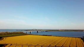 Van het Fehmarnbrug en Raapzaad Gebiedssatellietbeeld stock videobeelden