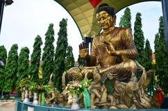 Van het het beeldstandbeeld van Boedha de Stijl van Birma van Botataung-Pagode Stock Afbeeldingen