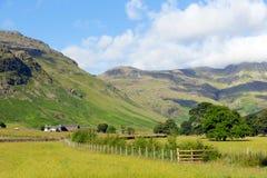 Van het het Meerdistrict van de Langdalevallei de Snoeken van Cumbria van Blisco-berg dichtbij Oude Kerker Ghyll Engeland het UK  royalty-vrije stock foto