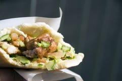 Van het het voedselpitabroodje van de straat de sandwich Jeruzalem Israël Stock Afbeelding