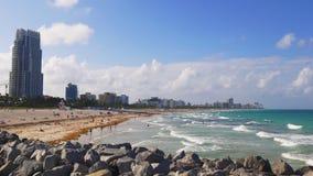 Van het het zuidenstrand van Miami van de de zomerdag de pijlerpanorama 4k Florida de V.S. stock footage