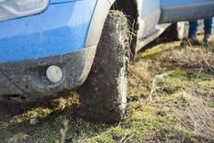 Van het hoogtepunt van de wegauto van vuil en modder Stock Afbeelding