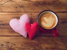 Van het koffiekop en hart vorm stock afbeelding