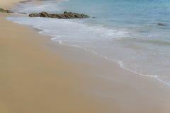 Van het overzeese het gezichtspunt van de het daglichtontspanning strandzand Stock Afbeeldingen