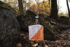 Van het het Puntteken van de Orienteeringscontrole van de het Spoorroute de Steen Forest Navigation Sport Activity royalty-vrije stock afbeelding