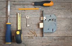 Van huisveiligheid en locksmniths hulpmiddelen stock foto's