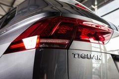 19 van Januari, 2018 - Vinnitsa, de Oekraïne Volkswagen Tiguan pres Stock Foto's