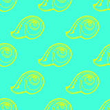 Van krabbelszeeschelpen naadloos patroon als achtergrond Stock Foto