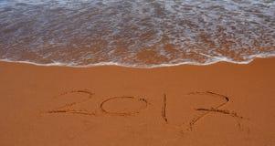 2017 van letters voorziend op het strand Stock Fotografie
