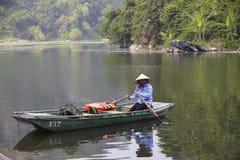 Van Long naturlig reserv i Ninh Binh, Vietnam Royaltyfri Bild
