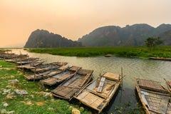 Van Long träsk i NinhBinh, Vietnam Arkivbilder