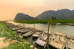 Van Long träsk i NinhBinh, Vietnam Royaltyfri Fotografi