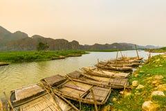 Van Long träsk i NinhBinh, Vietnam Royaltyfria Bilder