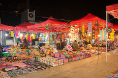 Van Luangprabang 24 Januari: Nachtmarkt in Luang Prabang, Laos op Januari Royalty-vrije Stock Afbeeldingen