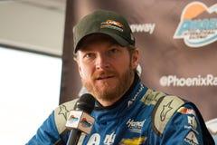van NASCAR Dale Earnhardt bij het ras van de Kop van de Sprint bij het Internationale Toevoerkanaal van Phoenix winst stock foto