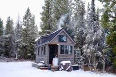 Van net uiterst klein huis Stock Foto