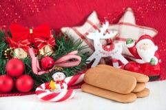 Van nieuwjaardecoratie en koekjes concept Stock Fotografie