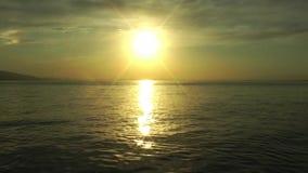 Van overzeese het Landschap van het het Zeegezichtzeewater Zonstralen stock videobeelden