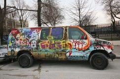 Van pintó con la pintada en Williamsburg del este en Brooklyn Foto de archivo libre de regalías
