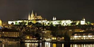 Van Praag (Praha) het panorama bij nacht Royalty-vrije Stock Fotografie