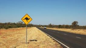 Van przejażdżki za kangura drogowym znakiem zdjęcie wideo