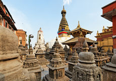 Van Swayambhunath (aaptempel) stupa op zonsondergang Royalty-vrije Stock Foto's
