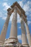 Van Traianus (Trajan) de tempel in pergoman akropolis Stock Afbeelding