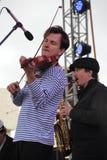 Van van prestatieskunstenaars, zangers en musici de vocaal-instrumentale band van de ensemble shoobedoobe jazz Royalty-vrije Stock Foto's