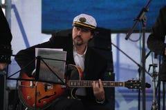 Van van prestatieskunstenaars, zangers en musici de vocaal-instrumentale band van de ensemble shoobedoobe jazz Stock Foto