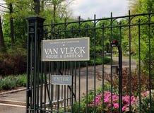 Van Vleck House- u. Garten-Zeichen Stockfotos