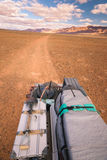 Van wegvoertuig die oldtimer weg in Marokko afslaan royalty-vrije stock foto's