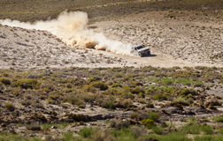 Van Wegvrachtwagen die Nevada rennen Royalty-vrije Stock Afbeeldingen