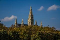 Van Wenen Townhall (Rathaus) de torens - Wenen, Oostenrijk Stock Afbeeldingen