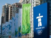 Vancouver 2010 - Olympische Fahnen Stockfotografie
