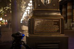 VANCOUVER, BC, CANADA - 27 NOV., 2015: De oude stoomklok in Vancouver ` s historische Gastown royalty-vrije stock foto